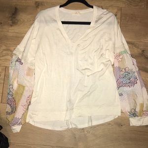 Adorable Anthropologie cotton top with silk sleeve